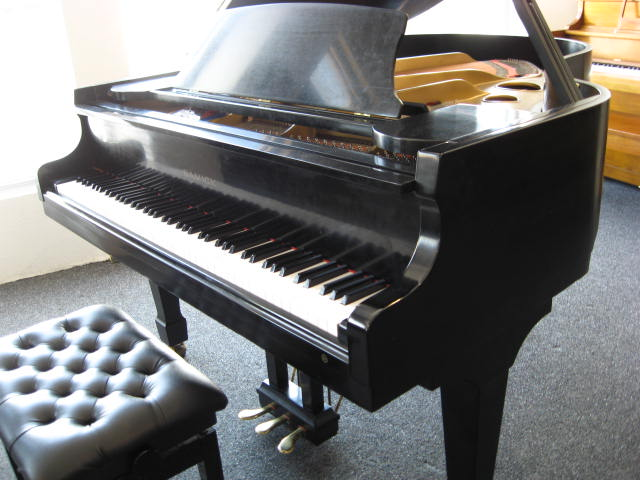 Samick model SG-172 Grand Piano in classic ebony