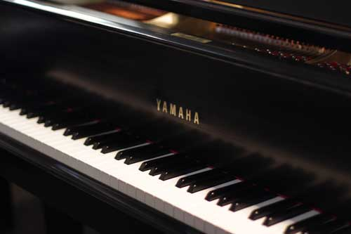 yamaha-grand-piano-5