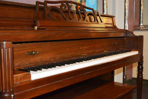 Kawai upright piano keyboard