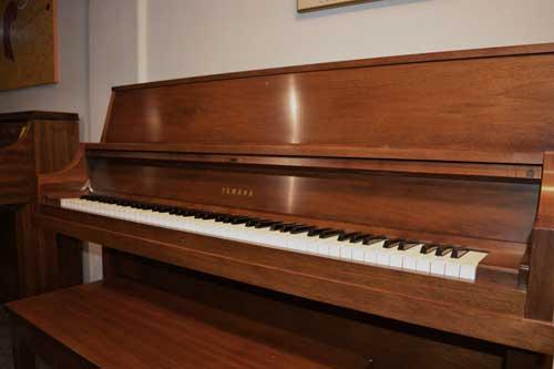 Yamaha P202 Piano at 88 Keys Piano Warehouse in Albuquerque