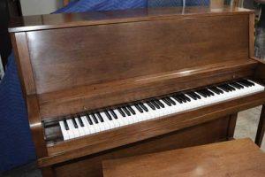 Evertt Upright Piano At 88 Keys Piano Warehouse