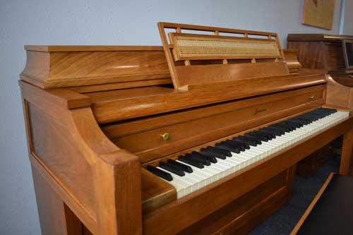 Baldwin Acrosonic piano keyboard at 88 Keys Piano Warehouse