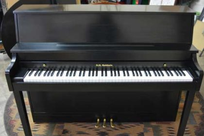 DH Baldwin Console Piano