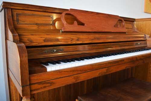 Kimball console piano keyboard at 88 Keys Piano Warehouse